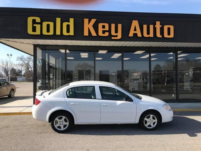 2006 White Chevrolet Cobalt (1G1AK55F967) with an 2.2L L4 DOHC 16V engine, located at 1633 W Kimberly, Davenport, IA, 52806, (563) 323-5341, 41.559456, -90.598732 - Photo #0