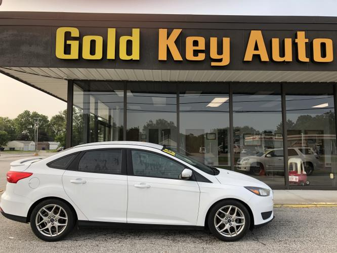 2015 White Ford Focus SE Sedan (1FADP3F28FL) with an 2.0L L4 DOHC 16V engine, located at 1633 W Kimberly, Davenport, IA, 52806, (563) 323-5341, 41.559456, -90.598732 - Photo #0