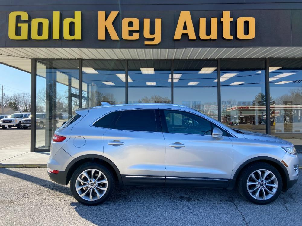 2015 Silver Lincoln MKC AWD (5LMCJ2A97FU) with an 2.0L L4 DOHC 16V engine, 6-Speed Automatic transmission, located at 1633 W Kimberly, Davenport, 52806, (563) 323-5341, 41.559456, -90.598732 - Photo #0