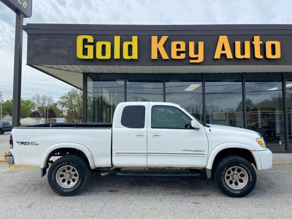 2003 White Toyota Tundra Limited Access Cab 4WD (5TBBT48193S) with an 4.7L V8 DOHC 32V engine, 4-Speed Automatic Overdrive transmission, located at 1633 W Kimberly, Davenport, 52806, (563) 323-5341, 41.559456, -90.598732 - Photo #0